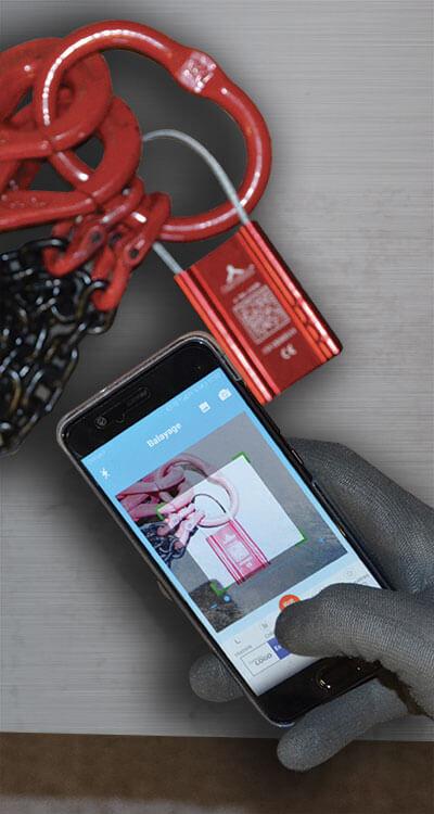 Scan du QR-code d'une élingue chaîne avec un smartphone